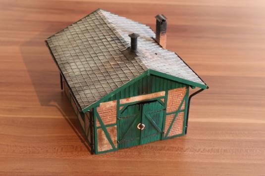 Gebädebau, Lokschuppen, Heizhaus, Eigenbau, Modellbau, Fachwerk, H0, 1.87